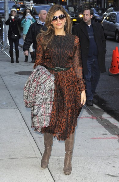 Eva Mendes Stops By The 'Late Show With David Letterman'