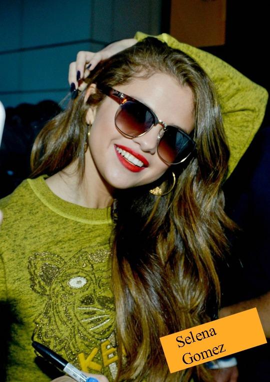 Selena-Gomez-Kenzo-Sweater