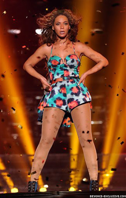 Beyonce Knowles on Stage Wearing Kenzo Spring 2013