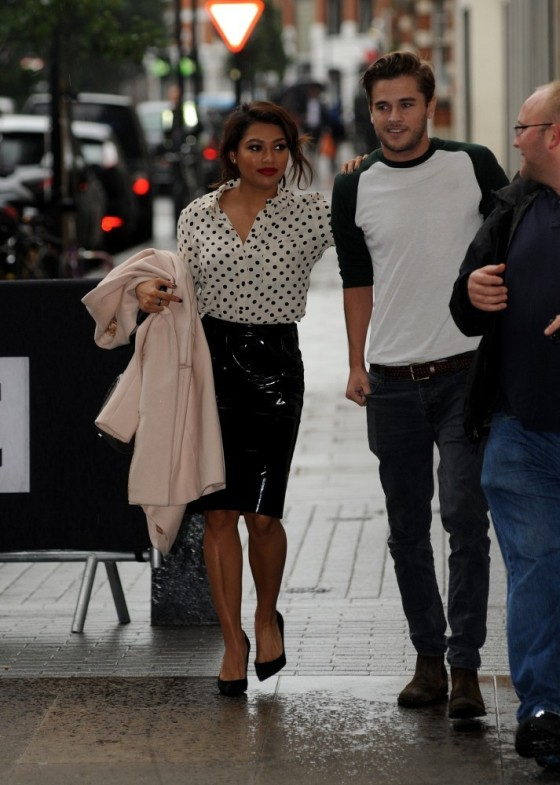 Vanessa White wearing a Topshop Vinyl skirt in Black